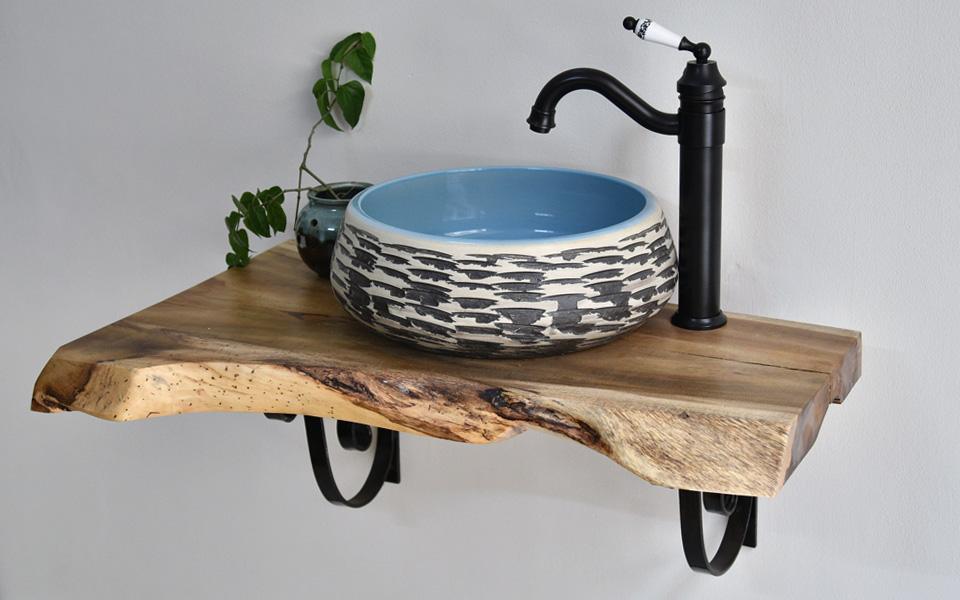 Chậu lavabo sứ mỹ thuật tạo không gian kiến trúc rustic